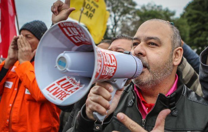 15 + 30 de maio é = a 14 de junho e à grande greve geral contra a reforma