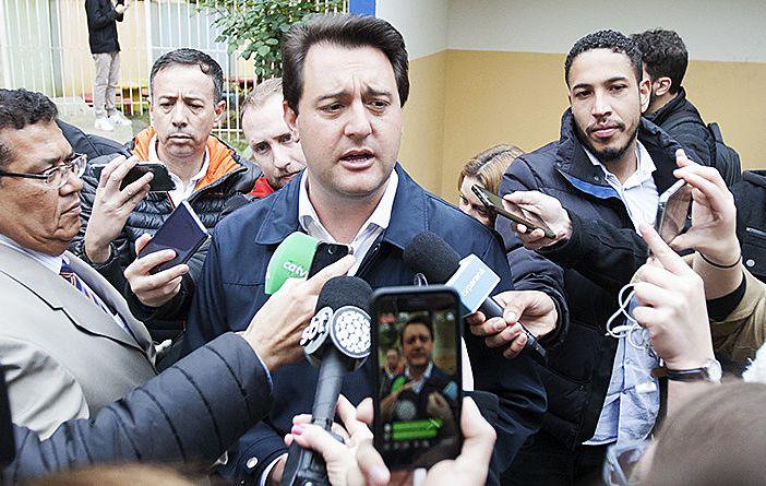 """5 anos depois, Ratinho e deputados(as) aprovam novo """"massacre"""" contra os(as) servidores(as)"""