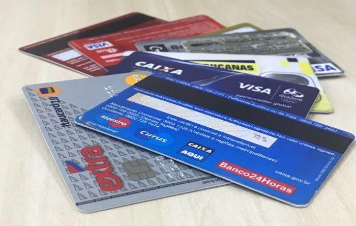 65,1% das famílias brasileiras estão endividadas e cartão de crédito é vilão