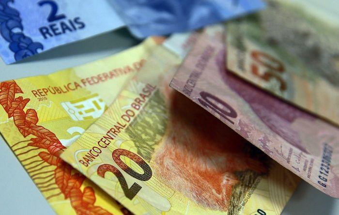 Além de encolher, mercado de trabalho perde R$ 12 bilhões de renda em um trimestre