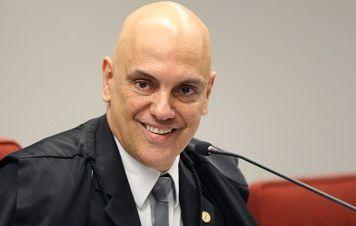 Alexandre de Moraes nega liberdade a Lula e mantém julgamento no plenário