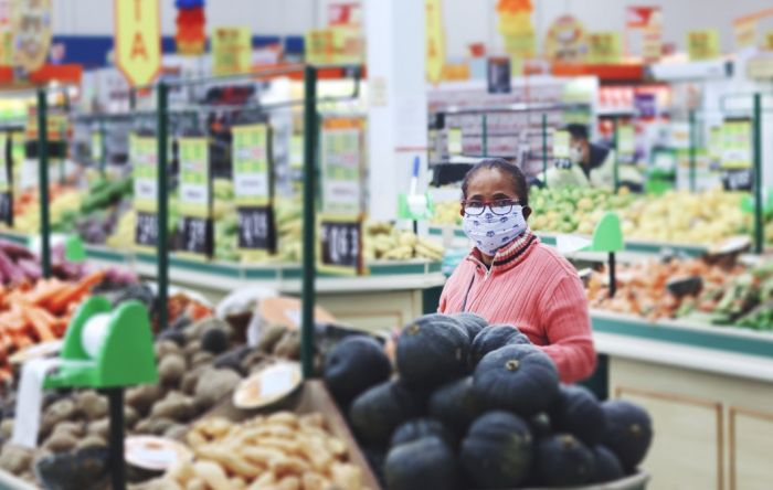 Alimentos sobem mais do que a inflação e reajustes salariais têm média negativa