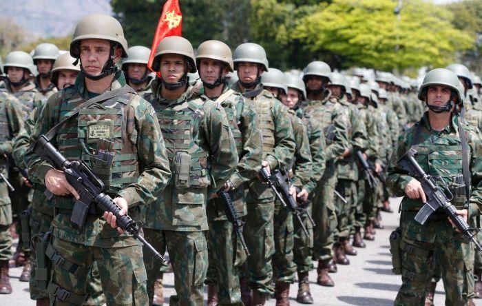 Ao invés de reforma da Previdência, militares ganharam um pacote de bondades