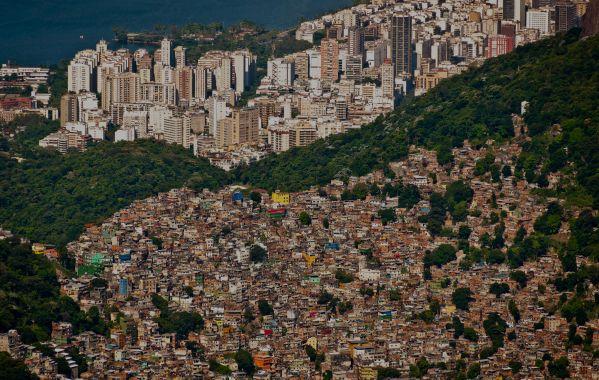 Apesar da crise econômica dos últimos anos, brasileiros ricos estão cada vez mais ricos