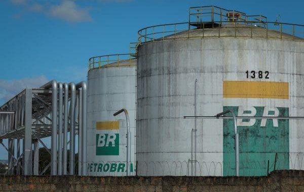 Após vender a TAG, Petrobras gasta R$ 3 bi ao ano para alugar gasodutos que privatizou