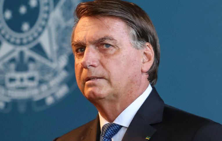 Aprovação de Bolsonaro despenca e até movimentos de direita aderem a impeachment