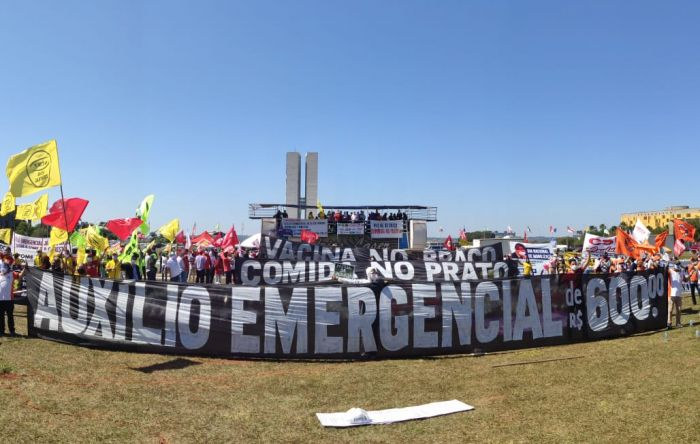 Ato unificado das centrais em Brasília denuncia governo genocida de Bolsonaro