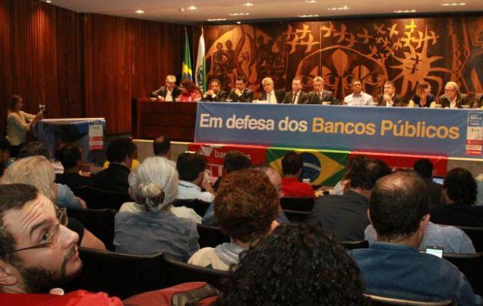 Audiência alerta sobre riscos do desmantelamento dos bancos públicos