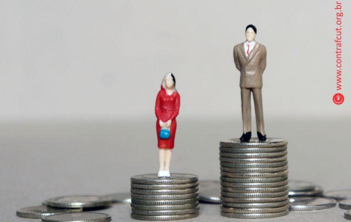 Bancárias recebem apenas 82,8% do valor pago aos bancários