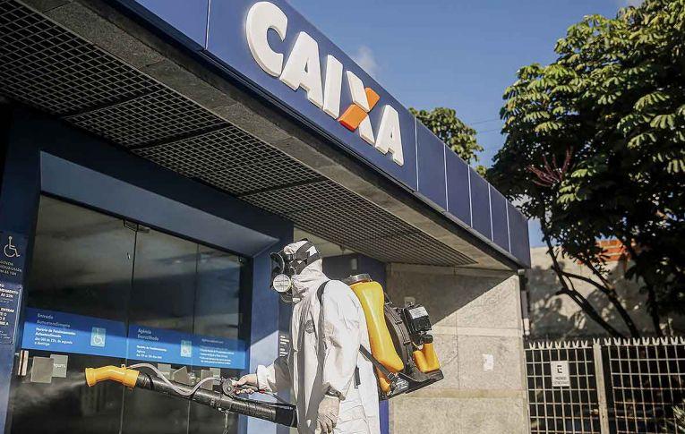 Bancários cobram providências da Caixa para acabar com caos das filas