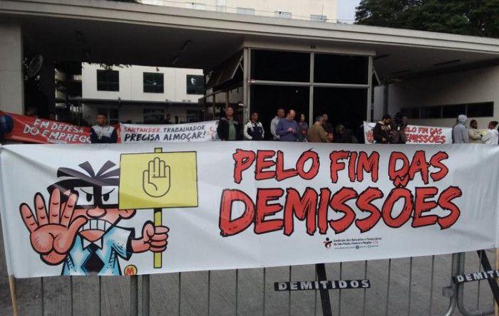 Bancários do Santander paralisam call center