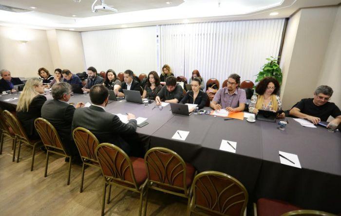 Banco do Brasil apresenta redação de cláusulas do acordo e negociação continua