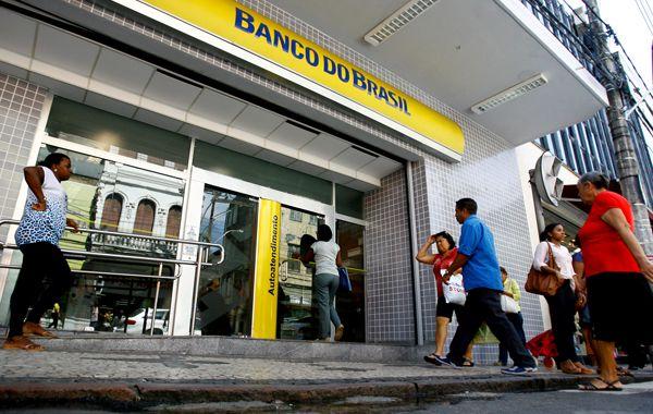 Banco do Brasil encerra parceria com a Caixa em lotéricas e terminais de autoatendimento