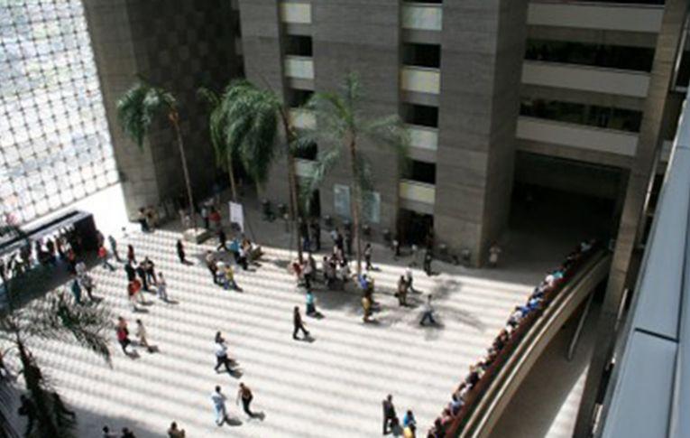 Bancos lideram ações trabalhistas em São Paulo, e aviso prévio é principal reclamação