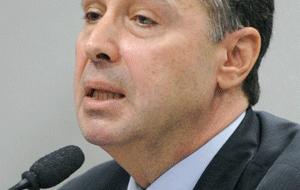 Barroso suspende tramitação de ações sobre taxa de correção do FGTS