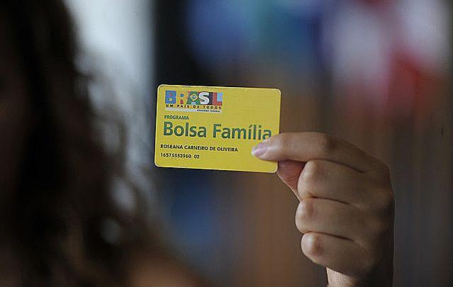 Bolsonaro castiga os mais pobres ao reduzir o Bolsa Família