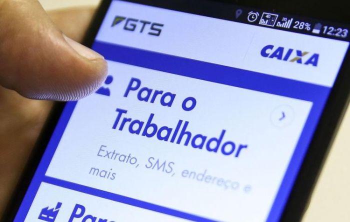 Bolsonaro libera saques do FGTS para aquecer economia com poupança do trabalhador