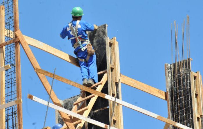 Bolsonaro muda regras de segurança do trabalho para beneficiar patrão