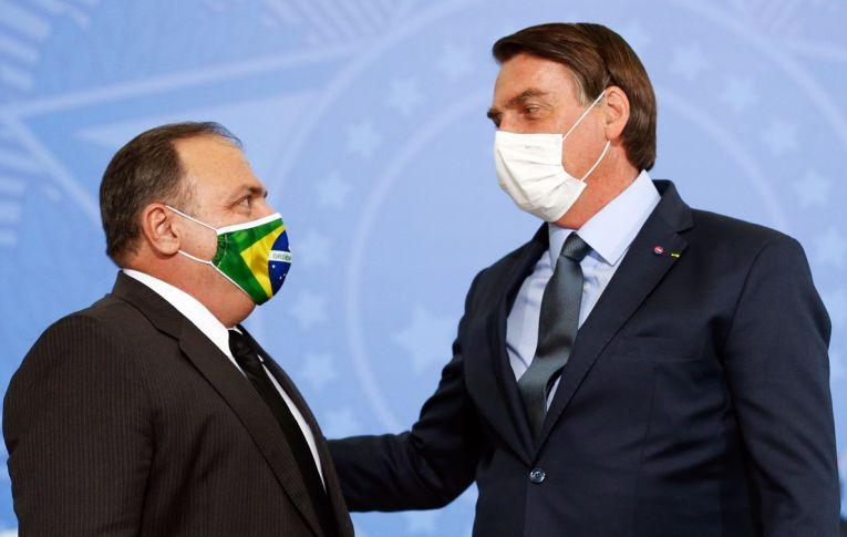 Bolsonaro proíbe compra de vacina e acusa ministro de traidor