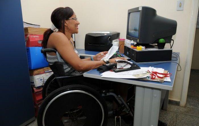 Bolsonaro quer obrigar pessoas com deficiência a trabalhar mais 15 anos