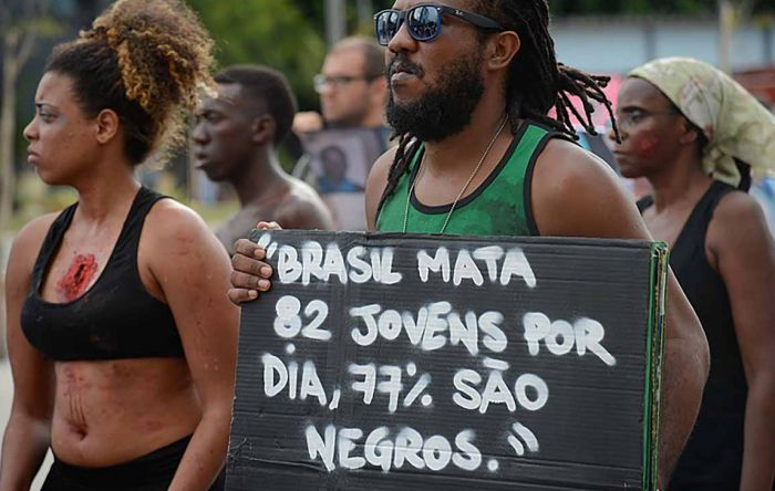 'Brasil tem dificuldade de enxergar seu racismo estrutural', diz ex-consulesa