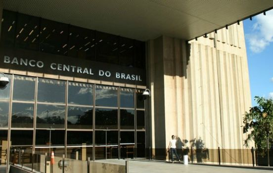 Calote de bancos socorridos por FHC é sete vezes maior que o total recuperado pela Lava Jato