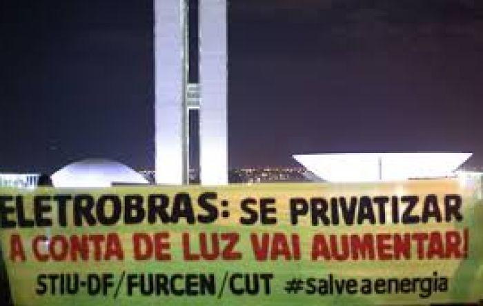 Câmara vota privatização da Eletrobras que pode aumentar contas de luz em até 25%