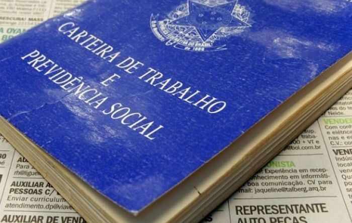 Carteira Verde e Amarela de Bolsonaro sofre primeira derrota na Justiça do Trabalho