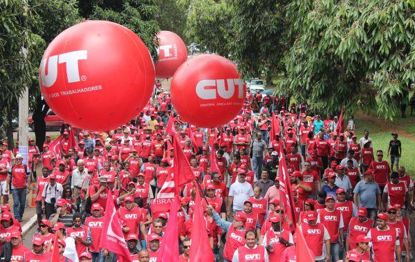 Centrais preparam ação nacional contra retirada de direitos trabalhistas