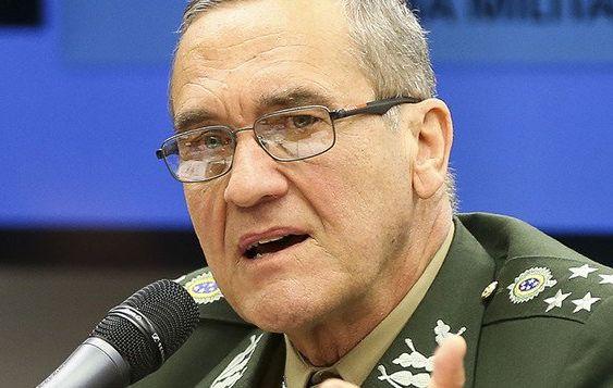 Chefe do exército vai às redes e crítica caos fiscal de temer e Meirelles