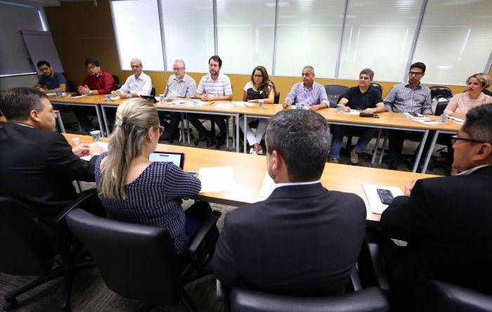 Coletivo Nacional de Saúde do Trabalhador discute medidas para prevenção de conflitos no ambiente de trabalho com Fenaban