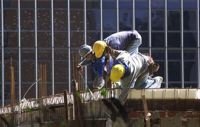 Com ataque a normas de segurança, Bolsonaro aumenta riscos à vida do trabalhador
