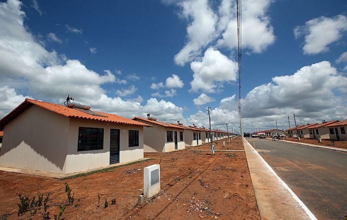 Com Bolsonaro, investimentos do Minha Casa Minha Vida caíram de 11,4 para 2,54 bi