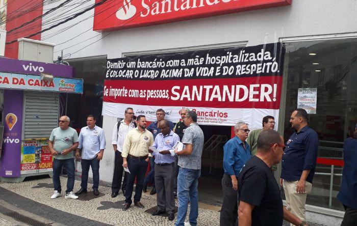 Com mãe em coma, bancário é demitido pelo Santander por não atingir metas