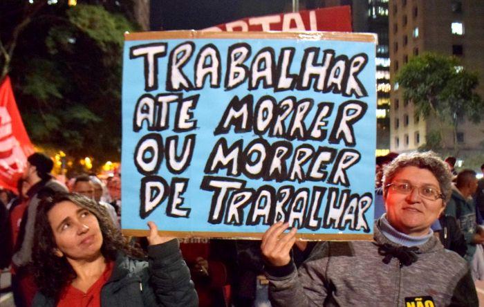 Com reforma de Bolsonaro, viúvas e órfãos vão receber pensões abaixo do mínimo