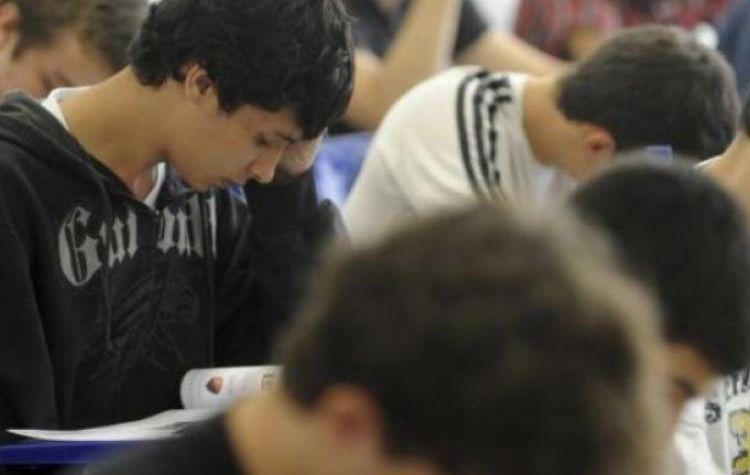 Com Temer, quase um milhão de estudantes pobres desistem do Enem