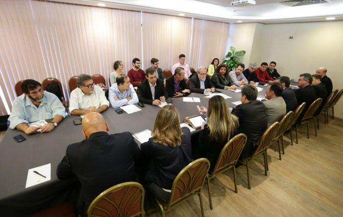 Comando Nacional dos Bancários apresenta à Fenaban termo de compromisso contra malefícios da reforma trabalhista
