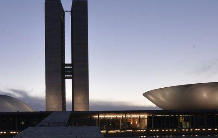 Congresso pode derrubar vetos de Bolsonaro a projetos que beneficiam trabalhadores