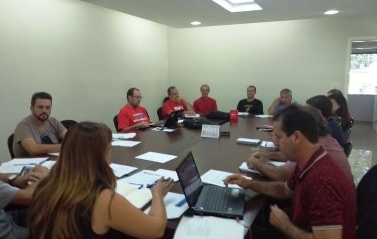 Conselho Político dos Sindicatos do Pactu se reúne em Umuarama