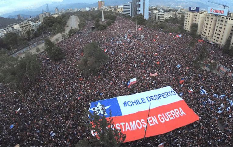 Constituição de Pinochet é derrotada em plebiscito no Chile neste domingo (25)