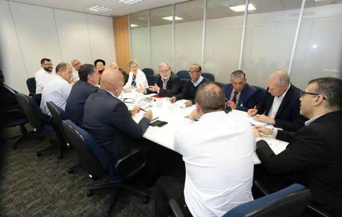 Contraf-CUT organiza reunião entre a Rede Sindical Internacional do Itaú e o Banco