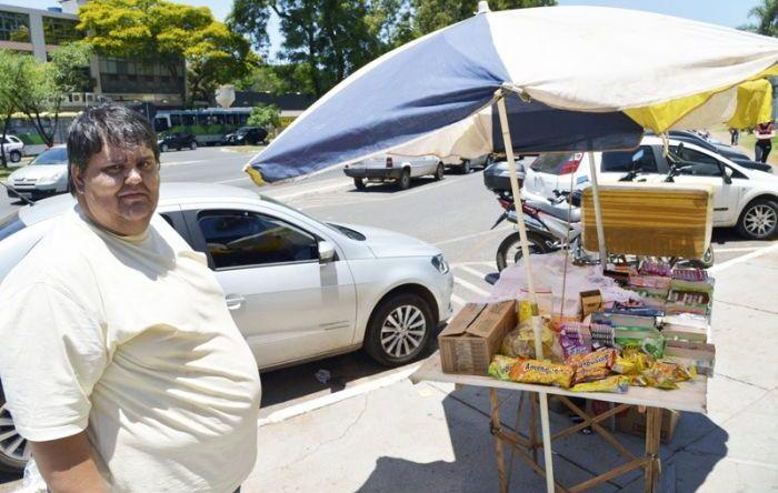 Cresce número de trabalhadores sem direitos - sem carteira e por conta própria