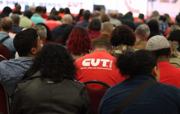 CUT debate o futuro do trabalho na defesa dos direitos