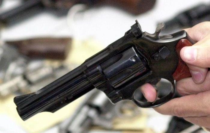 Decreto que facilita posse de armas aumentará a violência, diz especialista