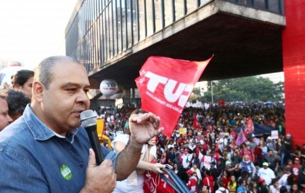 Deputados suspeitos não têm moral para destruir direitos dos trabalhadores