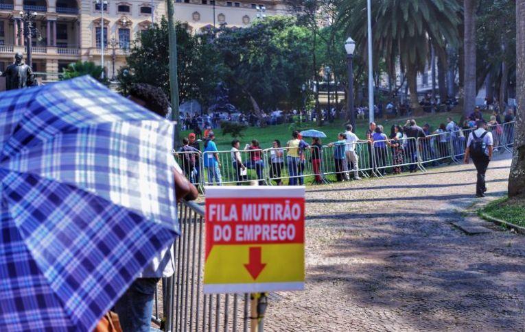 Desemprego no Brasil continuará elevado nos próximos anos 21 janeiro