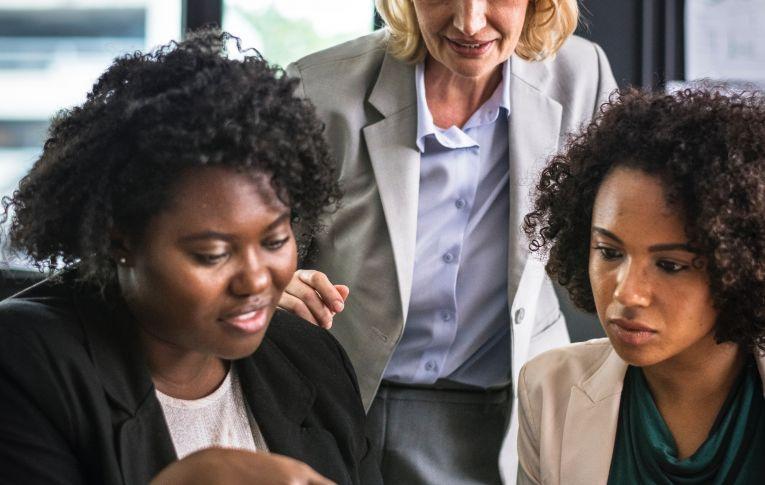 Desigualdade racial ainda predomina no mercado de trabalho