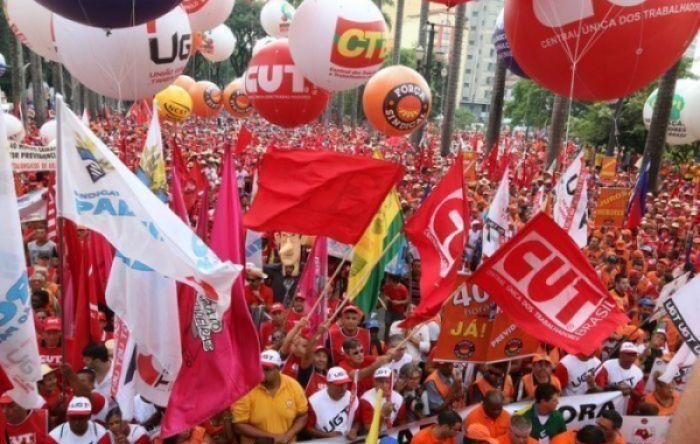 Dia 24: Povo nas ruas em defesa da democracia e contra ataques de Bolsonaro
