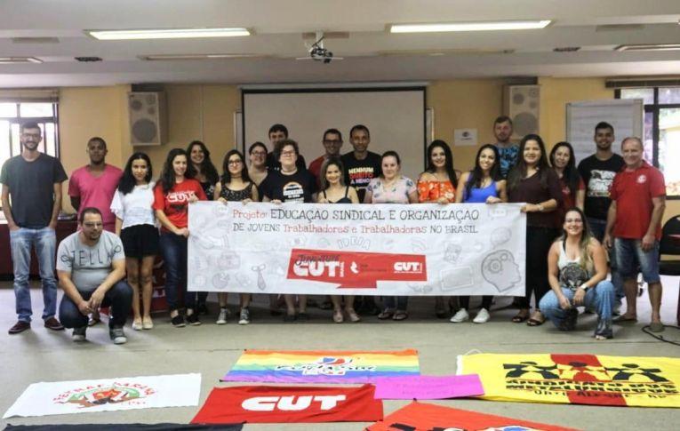 Dirigente do Sindicato de Umuarama participa de Seminário para a Juventude
