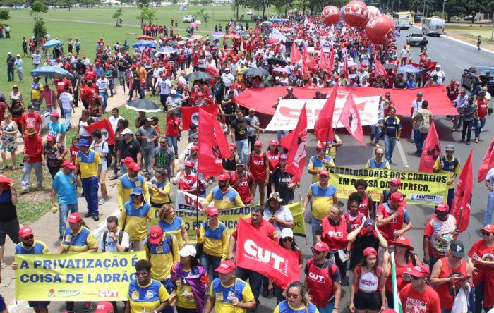 Em Brasília, trabalhadores deram o recado: vai ter luta contra privatizações!
